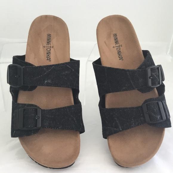 5bc0b6430ff54 Minnetonka Sandals 9M Black Denim